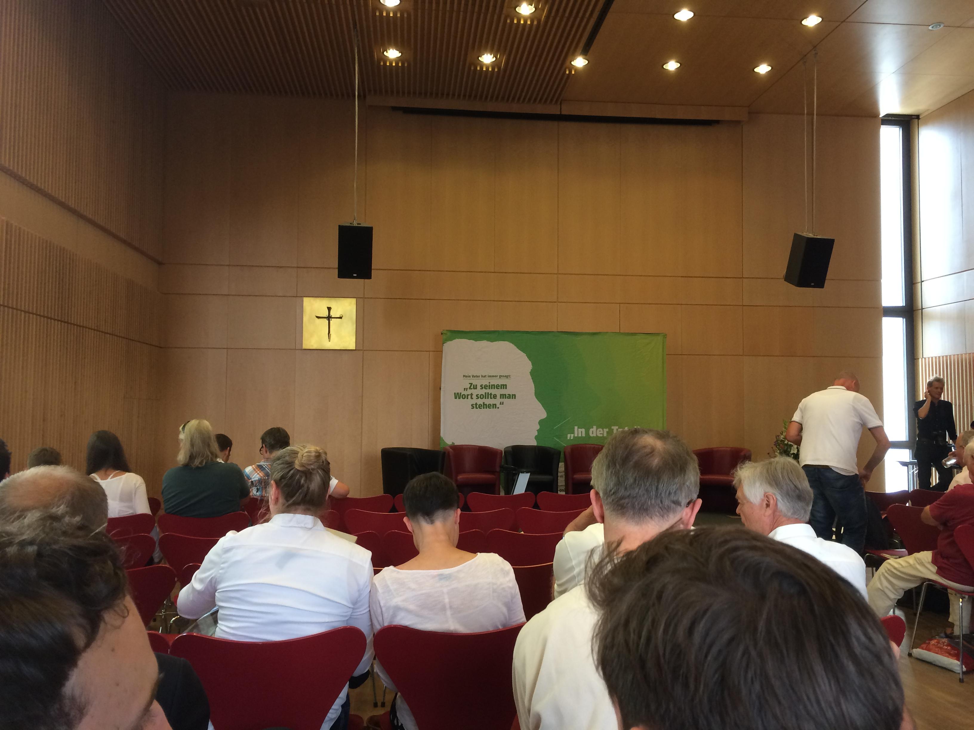Kurz vor Beginn des Talk zu Fußball-Macht Rhein-Main